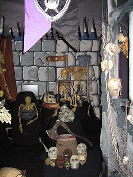 19 Best Haunted House Images On Pinterest Halloween Ideas