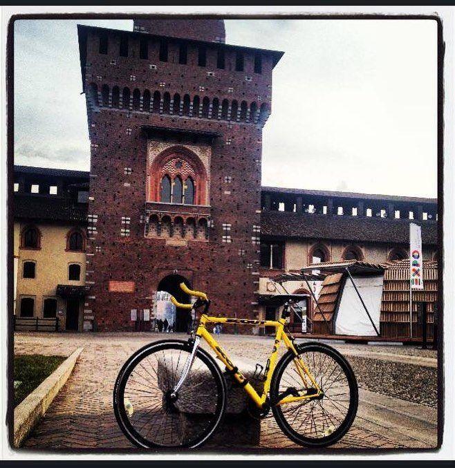 #Pisteciclabili ciclisti urbani e non a Milano #bici #pedalare #bike #milanobybike #zoli #ciclistiurbani #stilidipedalata #milan #lozolis #ciclistiamilano Milano  #milan  #welovemilan #MILANOCITYUFFICIALE #mymilano #milanodavedere #streetphoto #VIVO_MILANO #milanostupendaufficiale #LOVES_MILANO  #volgolombardia #milanocityitalia  #lozolis #loves_milano #loves_lombardia  #milano_forever #themilanlifeinc  Metti un like sulla Pagina FB ciclisti a Milano by ciclisti_a_milano