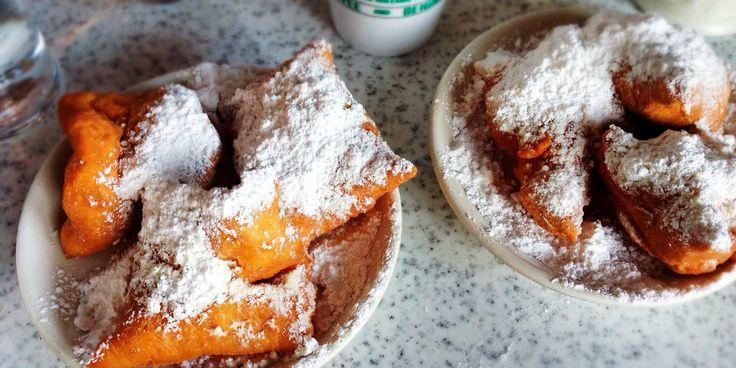 New Orleans, Louisiana, USA, Beignets at Cafe du Monde