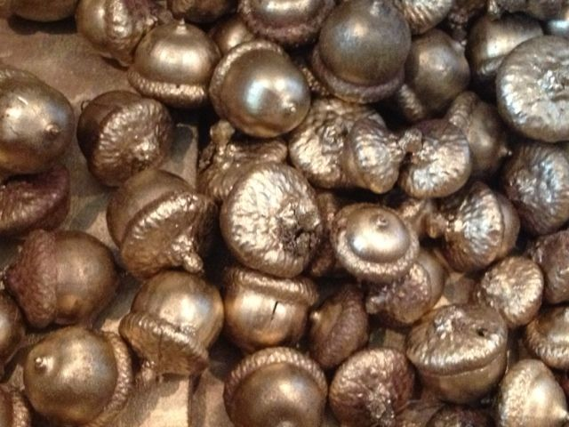 Two It Yourself: Acorn Decorations: How To Dry Acorns And Decorate With  Them For