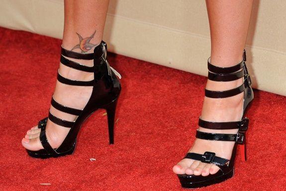Megan Fox pés mais bonitos mundo