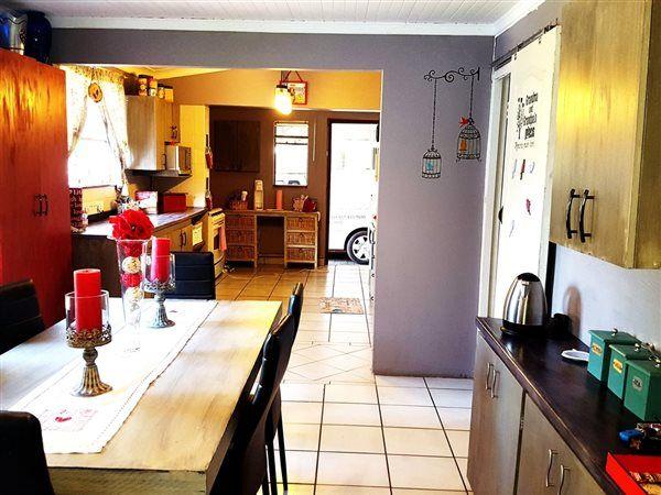 4 Bedroom House in Generaal De Wet photo number 5
