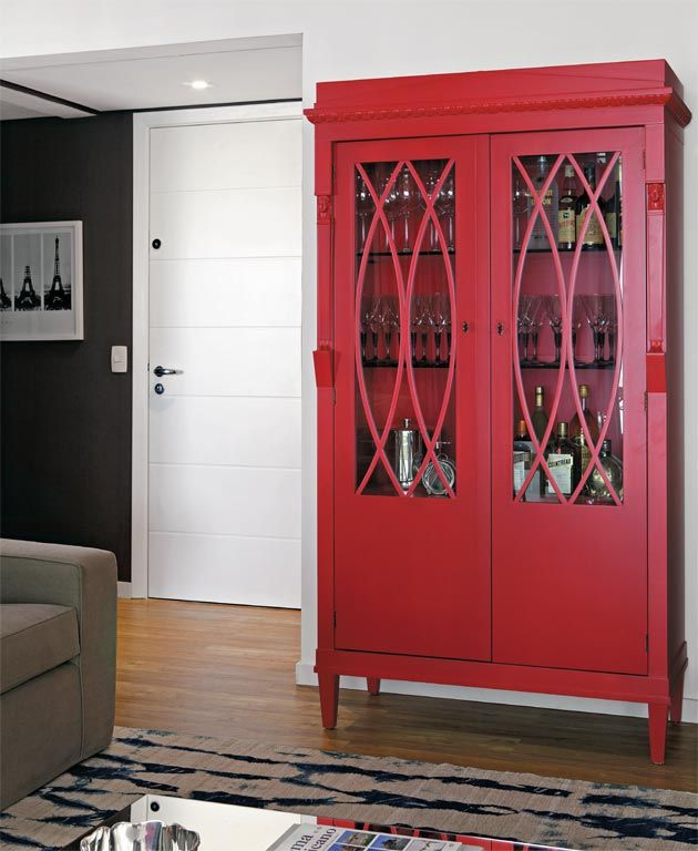 Móveis laqueados coloridos alegram a casa. É tendência! - Casa