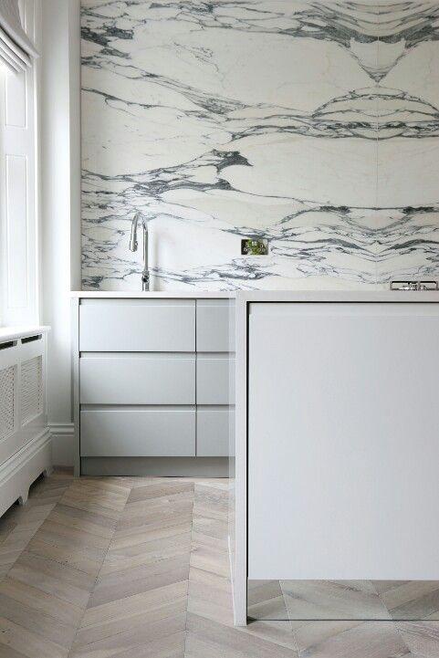 mod / minimal kitchen, chevron floor, marble wall @bingbangnyc
