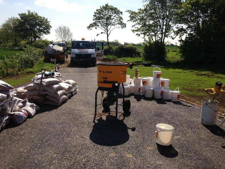 Pickwell Paving of Lincoln preparing for their Adbruf GeoPave instllation at Pointon.
