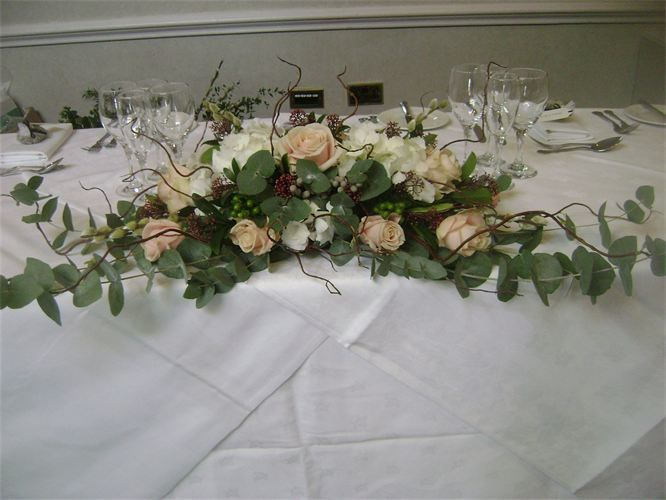 Top table decoration long low of