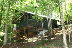 "$99. - 3 night min. very secluded. ""Cub's Den"" Chalet in Gatlinburg, TN"