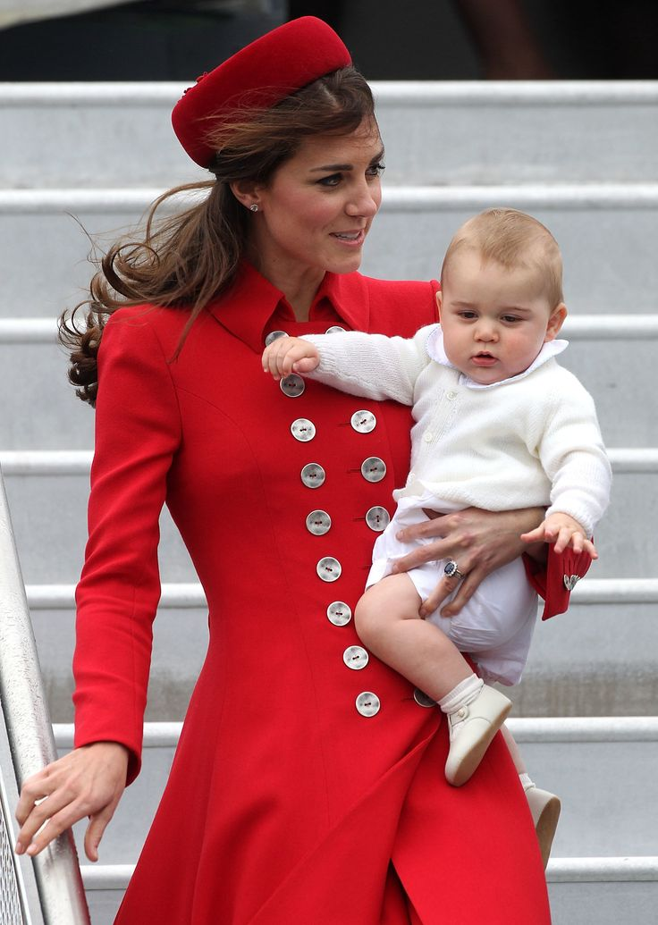 Baby George arrives in New Zealand.April 2014 via StyleList