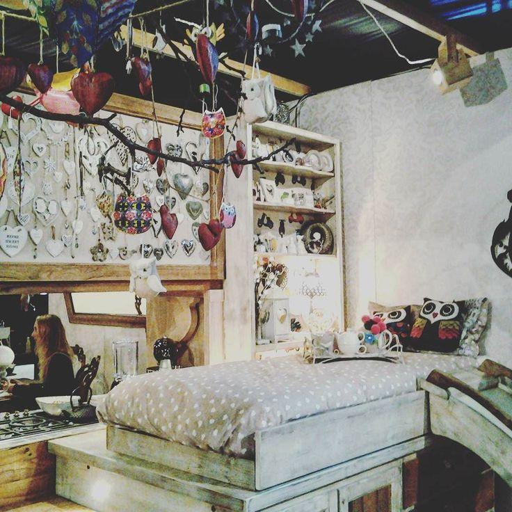 Moderno tradizionale o creativo: qualunque sia la vostra idea di arredamento la trovate e #mostrartigianato #lariofiere #living #arredare #arredarecasa #cameretta #cosy #gufette #cameradaletto #originale #unico #designer #interiordesign