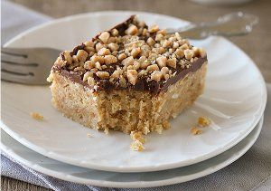 Made with a box of Ritz crackers, a bag of toffee bits and some milk chocolate chips, these dessert bars are pure heaven. You don't want to miss the recipe for these awesome 4-Ingredient Skor Squares, so grab the recipe today right here!