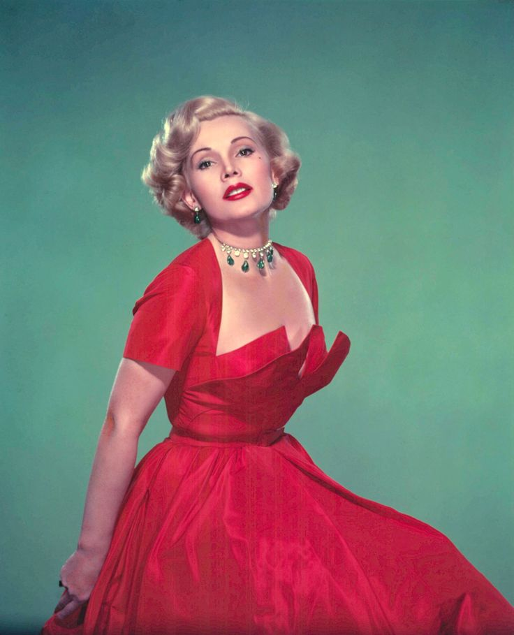 This is exactly my hair length!! Possibility Zsa Zsa Gabor 50s hair and makeup <3 my inspiration for today!