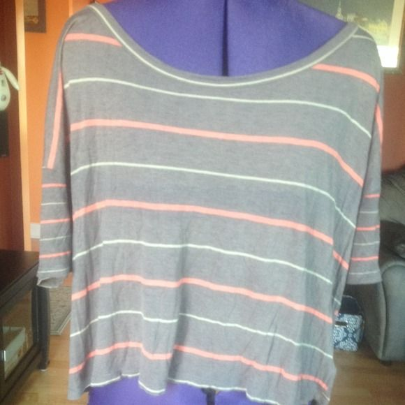 Loose crop top Very cute loose crop top. Grey with coral and off-white stripes. Pre-loved but in great condition. Kirra Tops Crop Tops