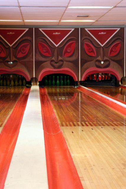 Tiki bowling alley!!!!!Tiki Culture, Awesome Tiki, Tiki Decor, Tiki Bowls, Polynesian Village, Vintage Tiki, Tiki Room, Tikiyaki Polynesian, Hawaii