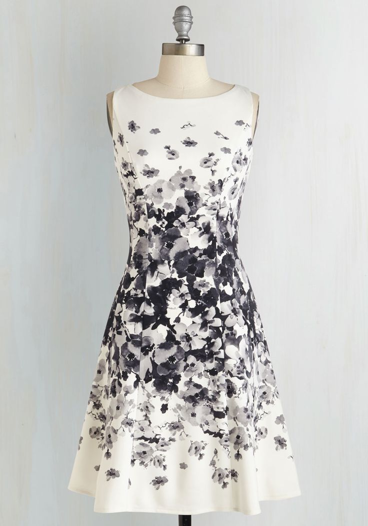 Established Elegance Dress - Black, White, Floral, Exposed zipper, Pockets, Daytime Party, Graduation, A-line, Sleeveless, Mid-length