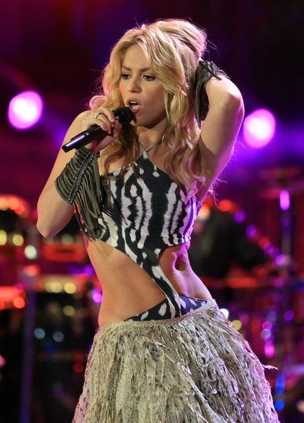 Best 25+ Shakira belly dance ideas on Pinterest | Shakira dance Belly dance and Belly dance outfit