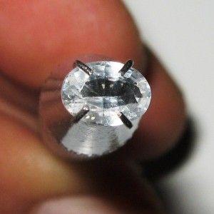 Safir Putih Oval 0.51 carat