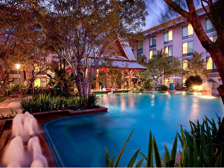 Swimming Pool - Novotel Bangkok Suvarnabhumi Airport - Relaxation time before or after your travel