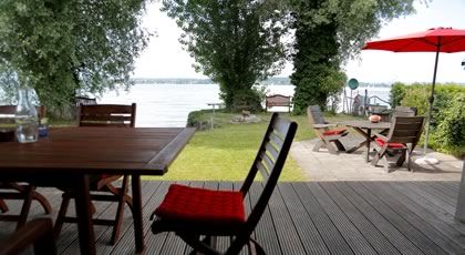 Bathhouse directly at the border of Lake Constanze in Bottighofen. Would also be nice for a Creative-week!