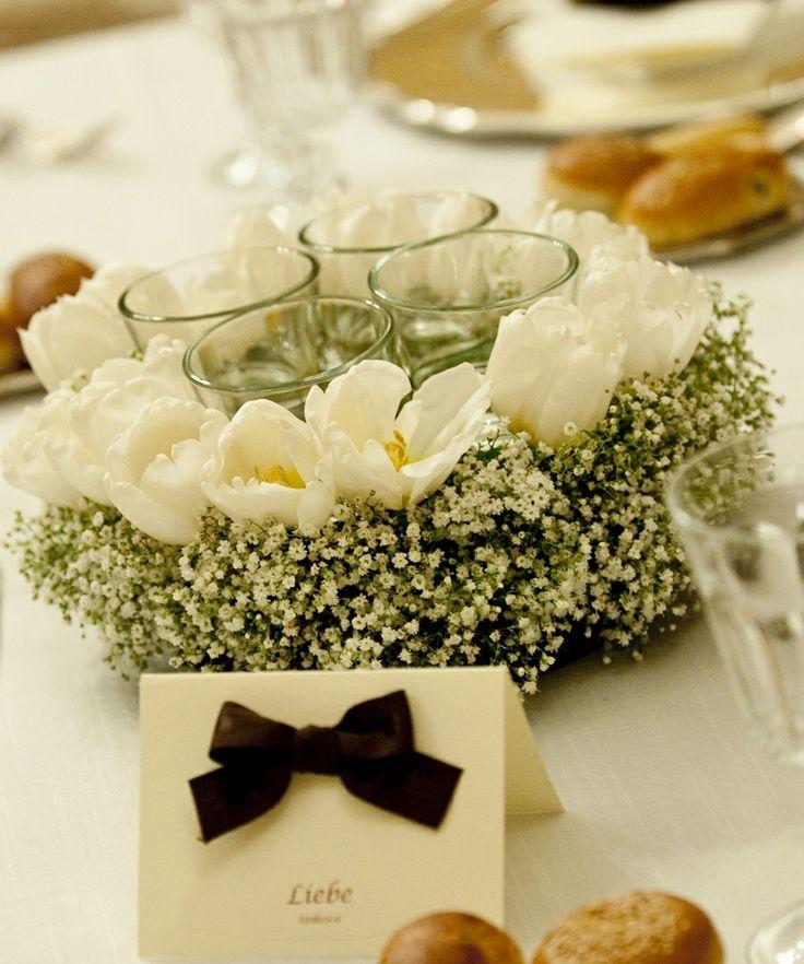 www.italianfelicity.com #centerpiece #tulips #tablenames