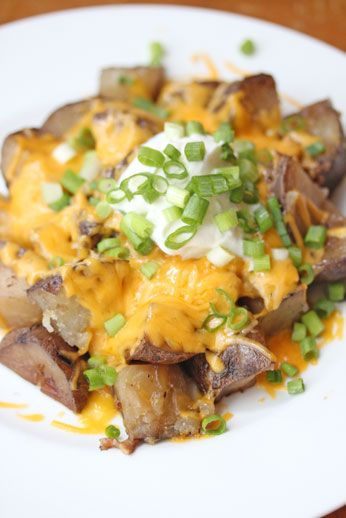 Loaded crockpot potatoes. Totally making these next week!