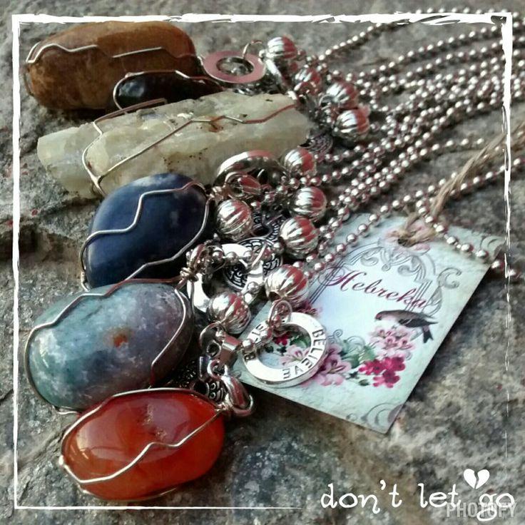 Amuletos stone