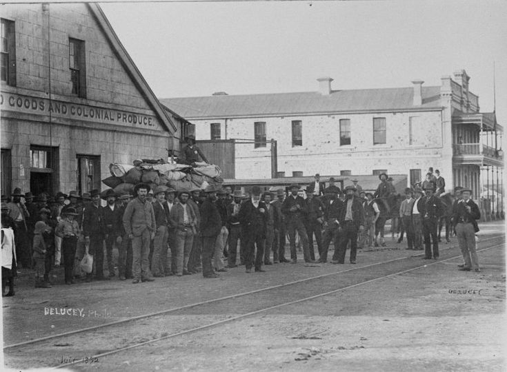 024601PD: Goods loaded for the Murchison Goldfield at Geraldton, July 1892 http://encore.slwa.wa.gov.au/iii/encore/record/C__Rb2981229?lang=eng