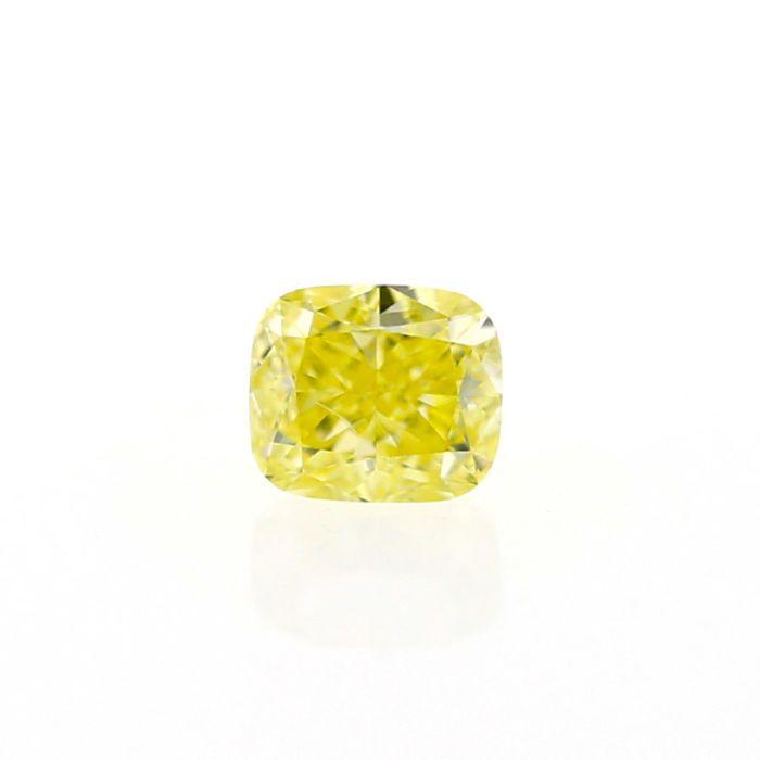 0.56 ct. natuurlijke Fancy Yellow Diamond VS2 kussen vorm GIA.  Natuurlijke Fancy Yellow 0.56 ct. VS2 kussen vorm Diamond met goed knippen en goed gepolijst best geschikt voor de hanger en ring kern. Het is vervaardigd en de beste bron van natuurlijk geel gekleurde diamanten van de Angolese ruwe gepolijst. De steen wordt geleverd met GIA certificering #7248111880GIA CERTIFICAAT: 7248111880. ANTWERPEN BELGIËKaraatgewicht: 0.56 karaatDuidelijkheid Grade: VS2Afmetingen: 4.87 x 4.20 x 2.96…