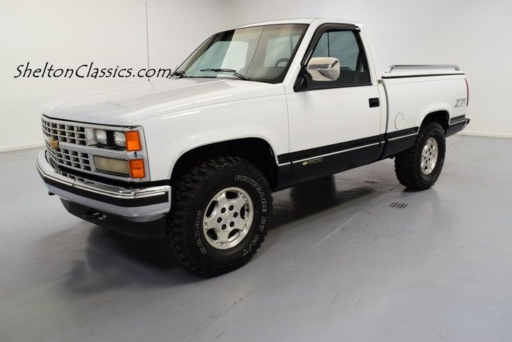 1989 Chevrolet 1500 Z71 4x4 Pick up Truck  A classic 1989 Chevrolet K-1500, with a nicely presented original color combination, and a loaded A/C interior is exactly the kind of pickup that brings back...