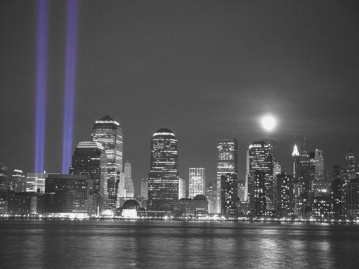 WTC 911 TRIBUTE OF LIGHTS- NEW YORK CITY
