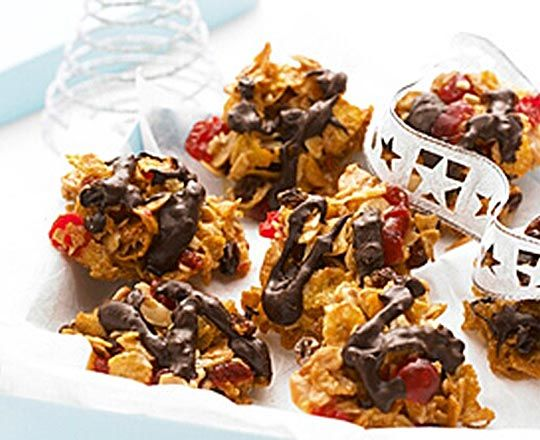 These chocolatey and #Christmassy Florentines are a favourite with adults and children alike. They are quick and easy to make as well!