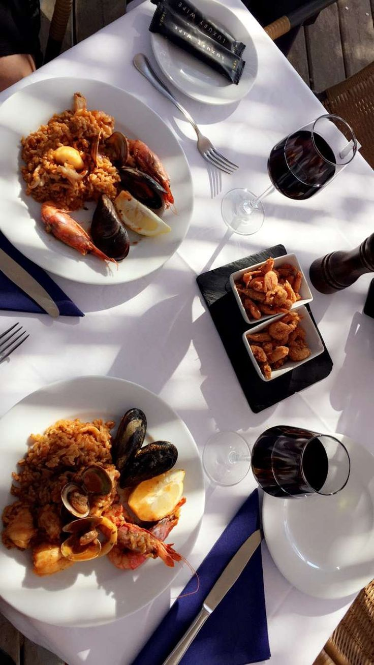 Wine and dine on a fabulous island 🌴 #spain #ibiza #travel #seafood