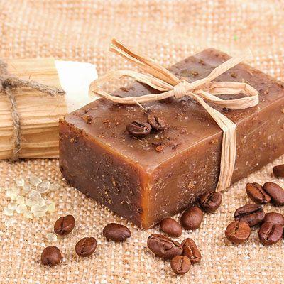 Seife herstellen - Seifen-Rezept: Kaffeeseife zum Selbermachen - sie wirkt wunderbar gegen unangenehme Gerüche wie Zwiebeln, Knoblauch & Co ...