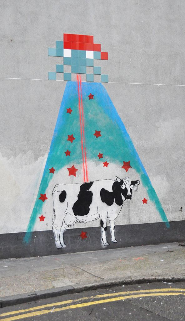 """Space Invader Stole My Cow"", Street Art by Id-Iom https://www.facebook.com/pages/Creative-Mind/319604758097900"