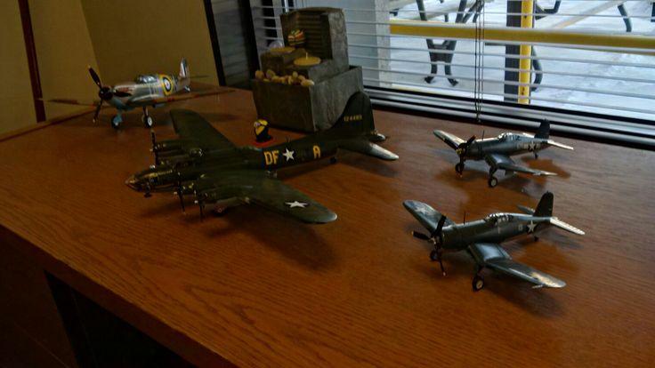 Spitfire, Corsair et B17