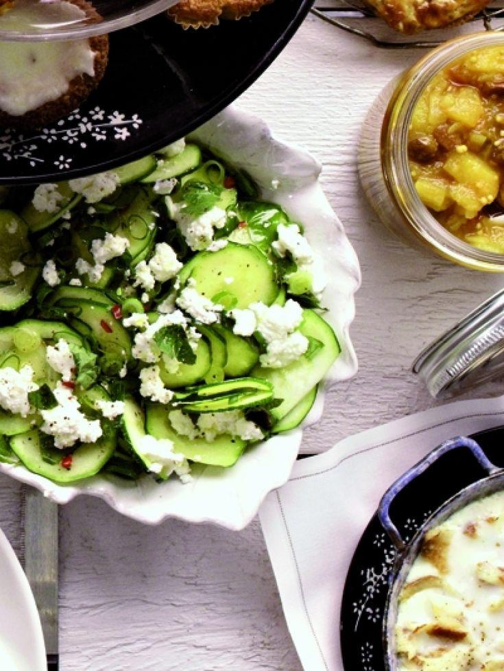 Dag oliebollen, hallo goede voornemens: 23 gezonde salades | Courgette-ricottasalade | ELLE Eten