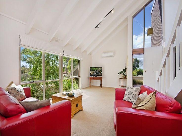 17 Tamora Crescent, Portland, Vic 3305 - Spacious and Light Filled - Portland Seaview Real Estate - Portland
