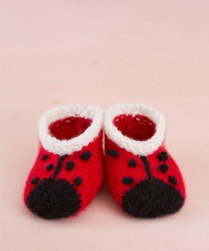 Sweet Lady Bug Booties #AnneGeddes #knitting #redheartyarns