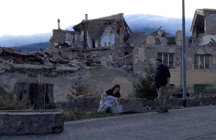 """La """"piedad de Amatrice"""", la foto que se ha convertido en símbolo del terremoto…"""