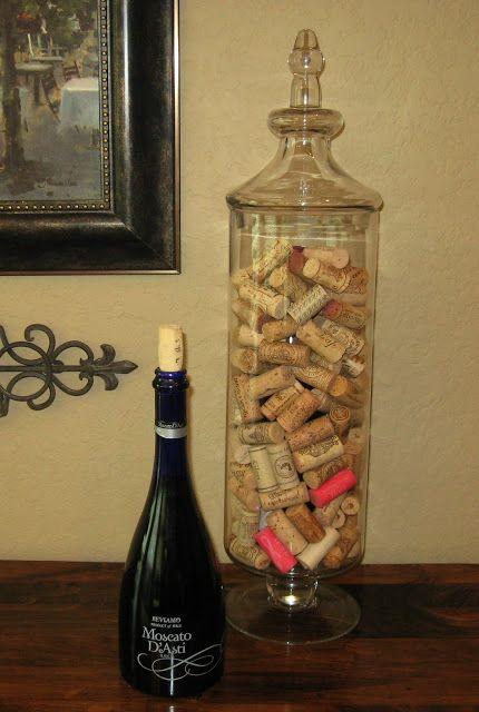 Simple wine cork display trick vase filler diy home for Decorating with wine corks