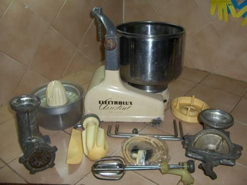 El ayudante de cocina electrolux poderoso daihdez for Ayudante cocina