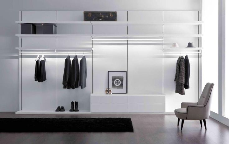 Pianca - Anteprima Closet #2    Walk-in Closet Composition available with or without wooden back panels. Color configuration: Off-White, Textured Grey, Dark Oak, Walnut, Textured Matt Lacquered. Made in Italy