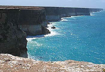 The vast Nullarbor Plain is the world's largest limestone karst landscape covering an area of 270,000 square km, extending 2000 km between Norseman and Ceduna. Two thirds of the Nullarbor is within Western Australia and one third is in South Australia. - See more at: https://www.wilderness.org.au/campaigns/outback-australia/nullarbor-plain-limestone-karst#sthash.1uSrGTqH.dpuf