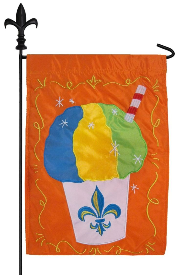 17 Best 1000 images about Summer house flags and garden flags on