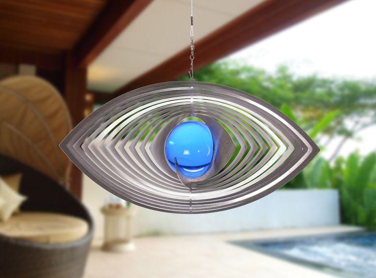 """Ellipse, aus Edelstahl gefertigt mit einer """"50 mm"""" großen Glaskugel. Reflektierende und verzaubernde Faszination in Haus und Garten."""