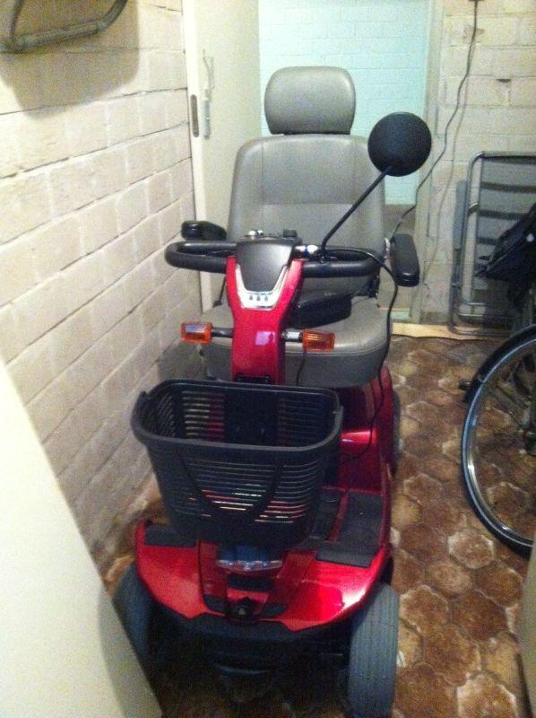 Scootmobiel Aanbod - Scootmobiel Elegance 4 wieler : Particulier