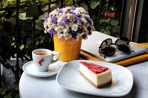 Karaköy - Karabatak, yummy espresso & cheesecake ;)