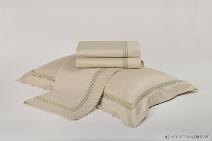 Buy BOTTICELLI BED SET online. Pure #Egyptiancotton sateen. Amancara, luxury linens since 1952.