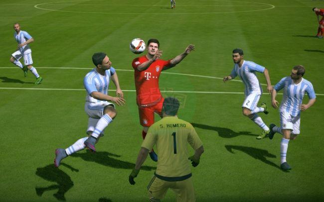 FIFA Online 3: Tạt cánh đánh đầu, cũ mà chất