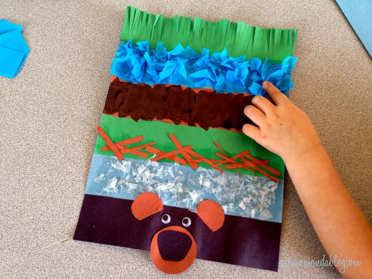 "A craft to go along with the beloved children's book, ""We're Going on a Bear Hunt""!"