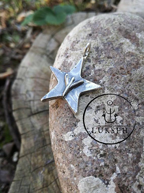 Guarda questo articolo nel mio negozio Etsy https://www.etsy.com/it/listing/268026012/pentagramma-in-argento-talismano